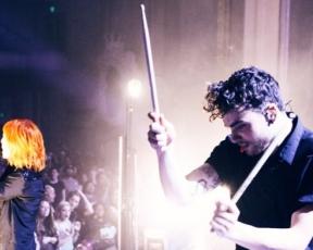 Alternative Press: novo álbum do Paramore entre os lançamentos mais esperados de 2017
