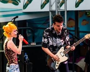 Kerrang!: Paramore – Águas desconhecidas