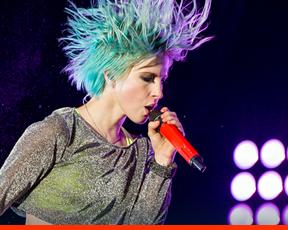 """Hayley para a NME: """"Não há canções de rock de Natal o suficiente."""""""