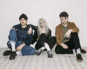 Paramore divulga nova biografia oficial