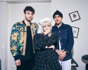 Paramore concede entrevista ao Beats 1; assista legendado