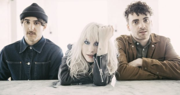 "Paramore fala sobre ""Hard Times""e revela o significado de ""After Laughter"""