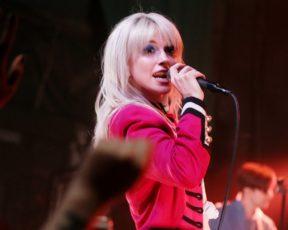 MTV fala sobre mudança na cor do cabelo de Hayley Williams