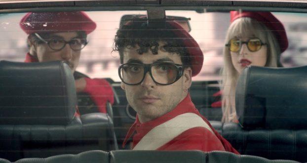 """Paramore lança """"Told You So"""" com videoclipe"""