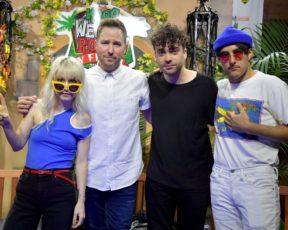 Novas fotos do Paramore nos bastidores do KROQ Weenie Roast