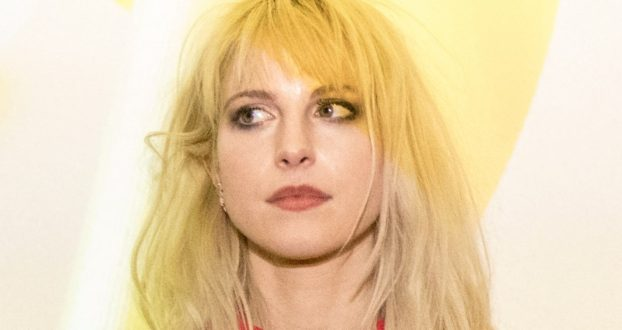 "Hayley Williams comenta sobre o ""After Laughter"" no Instagram"