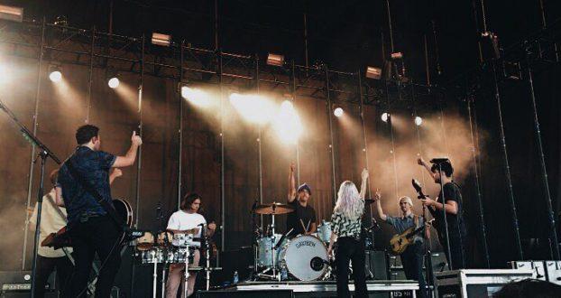 Paramore se apresenta em Hinckley, MN (28/07) e Minot, ND (29/07)
