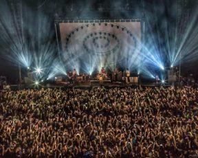 Paramore faz show no Palácio de Los Deportes, no México (23/10)