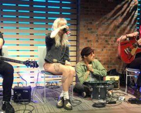 Assista à entrevista legendada do Paramore no Sound Lounge