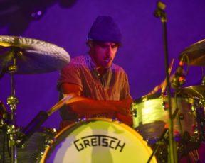 Zac Farro concorre como Melhor Baterista de Rock no Music Radar
