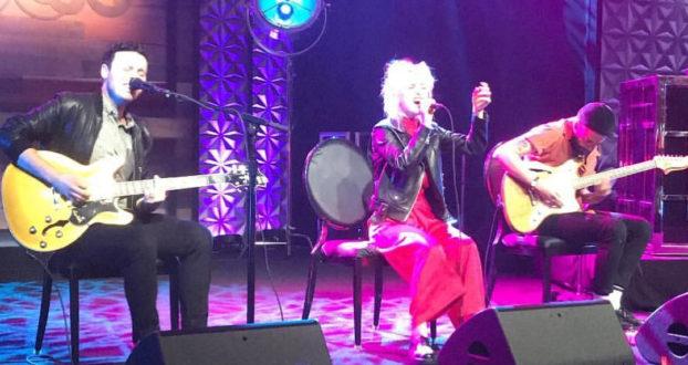 Paramore toca em festa de aniversário do jogador Stephen Curry