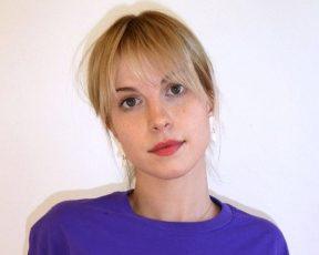 Hayley Williams se despede das redes sociais em nova publicação