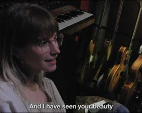 """Assista ao lyric video de """"Roses/Lotus/Violet/Iris"""", do """"Petals For Armor"""""""