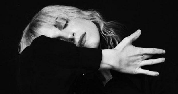 "Hayley Williams lança nova música, ""My Friend"", com lyric video"