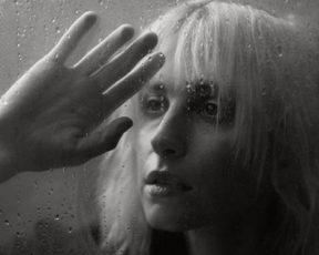"""Hayley Williams lança """"Why We Ever"""", nova faixa do """"Petals For Armor"""""""
